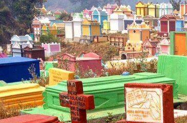 El Cementerio de los Mil Colores y sus Tradiciones Mayas